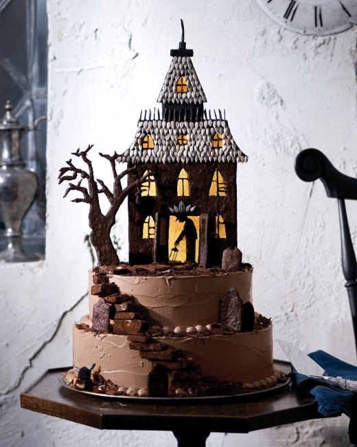 Spooky Halloween Cakes  19 Creative Halloween Cakes And Desserts