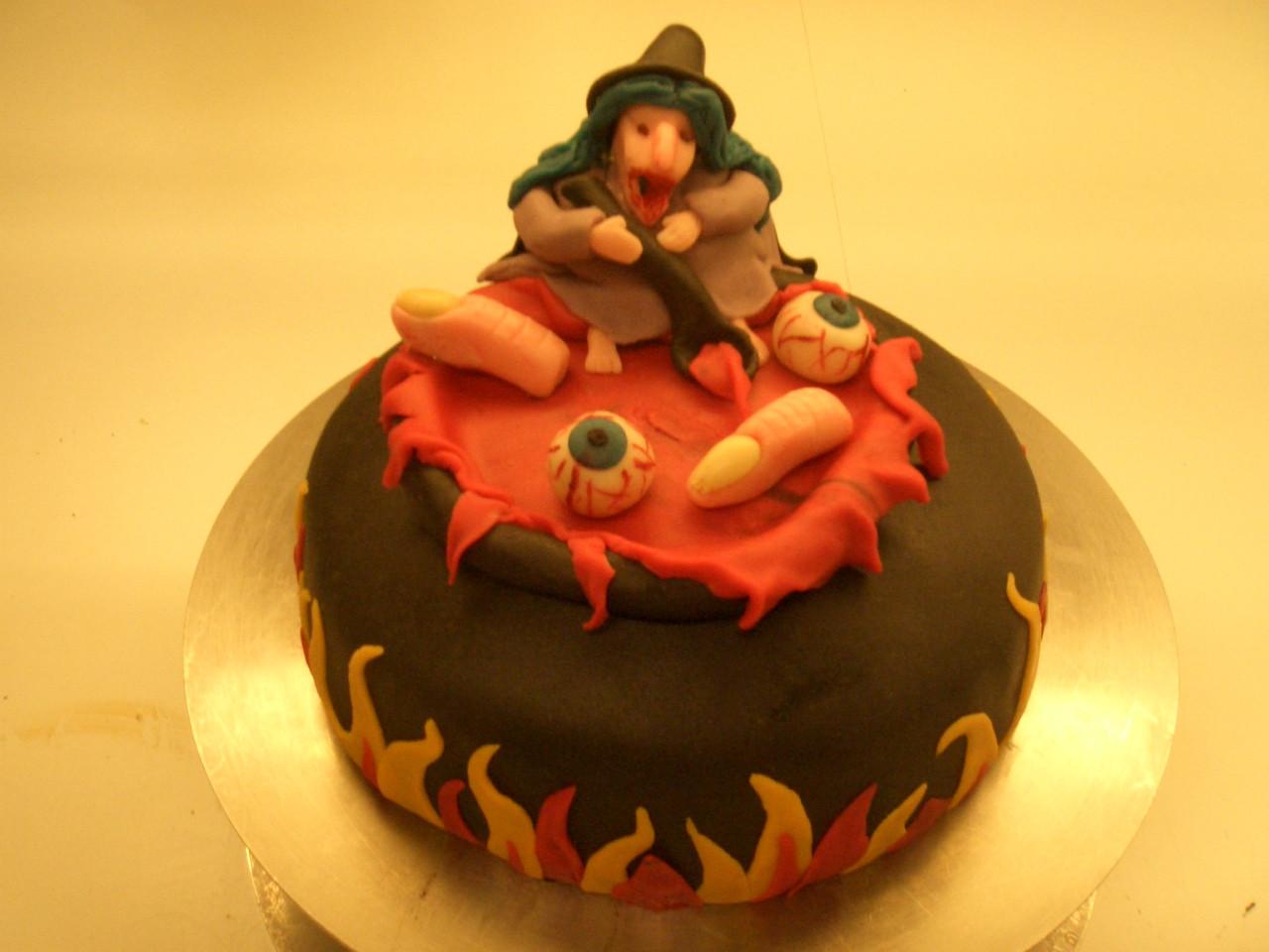 Spooky Halloween Cakes  Halloween Cakes – Decoration Ideas