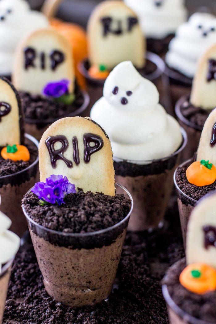 Spooky Halloween Desserts  10 Spooky Halloween Dessert Recipes Love Swah