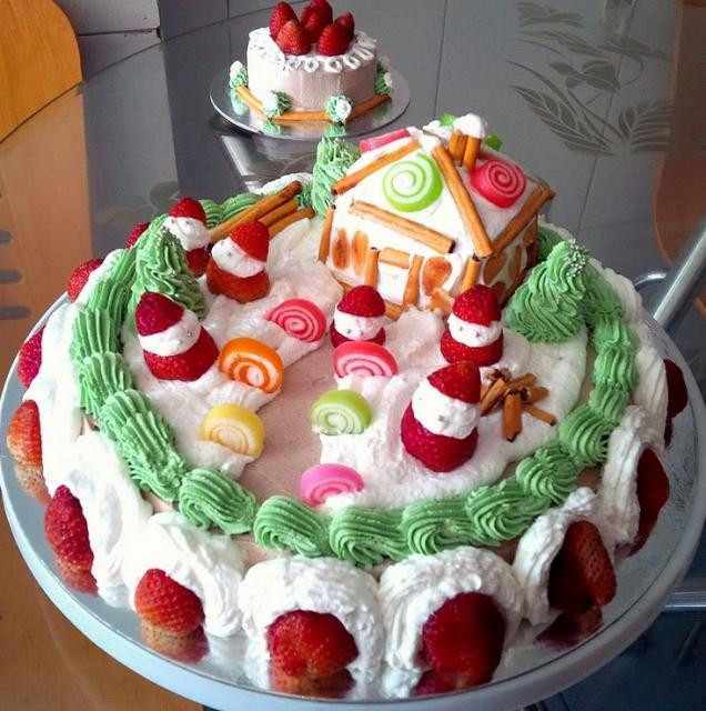 Strawberry Christmas Cake  Strawberry White Cream Christmas Cake JPG Hi Res 720p HD