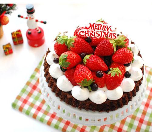 Strawberry Christmas Cake  CAKELOVE