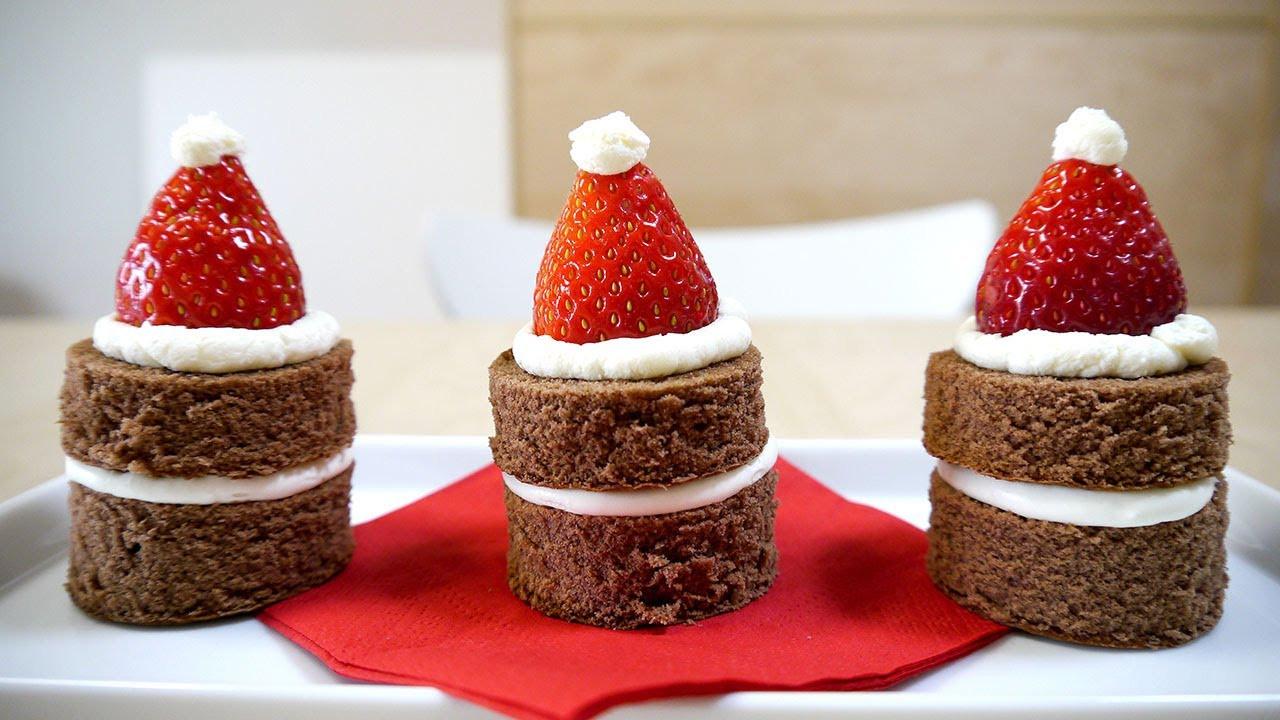 Strawberry Christmas Cake  Christmas Cake Strawberry Santa Claus Hats いちご サンタさんの帽子ケーキ