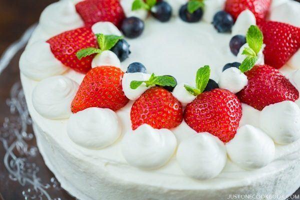Strawberry Christmas Cake  Japanese Strawberry Shortcake 苺のショートケーキ • Just e Cookbook