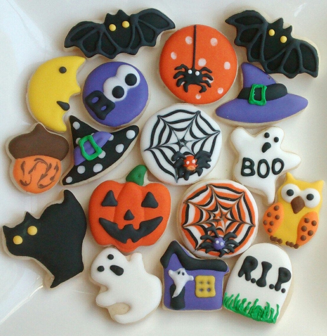Sugar Cookies Halloween  Halloween sugar cookies mini or large decorated with royal