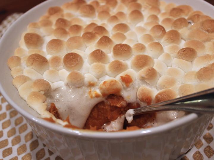 Sweet Potatoes Thanksgiving Marshmallows  Best ever Thanksgiving sweet potatoes with marshmallows