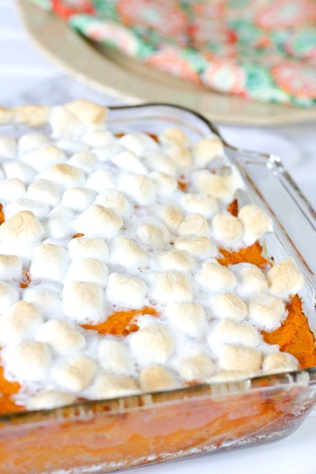 Sweet Potatoes Thanksgiving Marshmallows  Easy Sweet Potato Casserole with Marshmallows Travis has