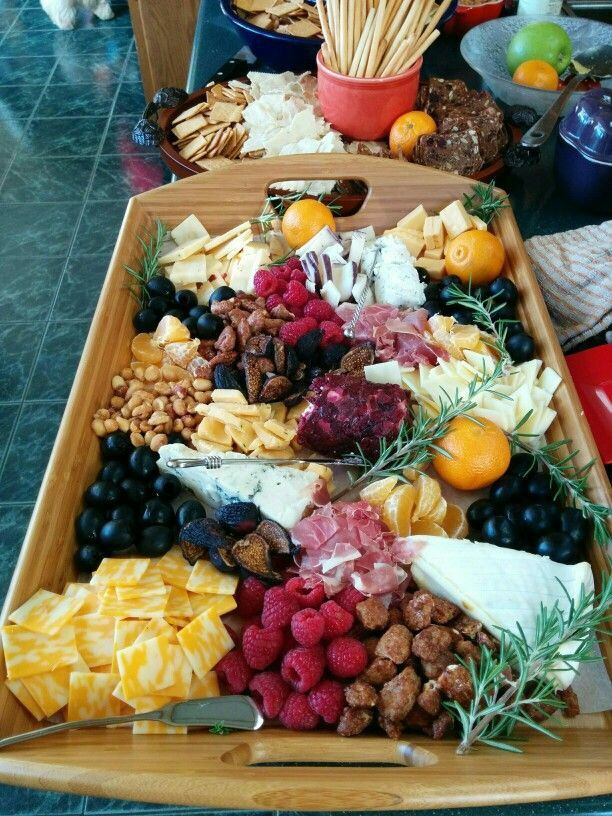Thanksgiving 2019 Appetizers  Fruit and cheese tray Thanksgiving 2015