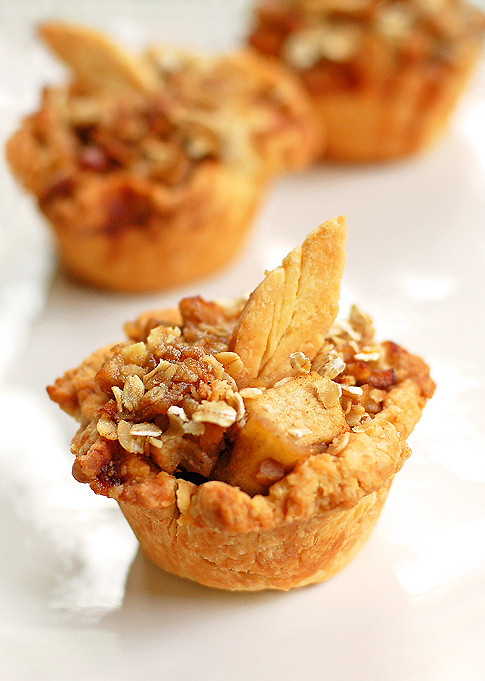 Thanksgiving Apple Desserts  Mini Apple Pie Recipe and Thanksgiving Dessert Ideas