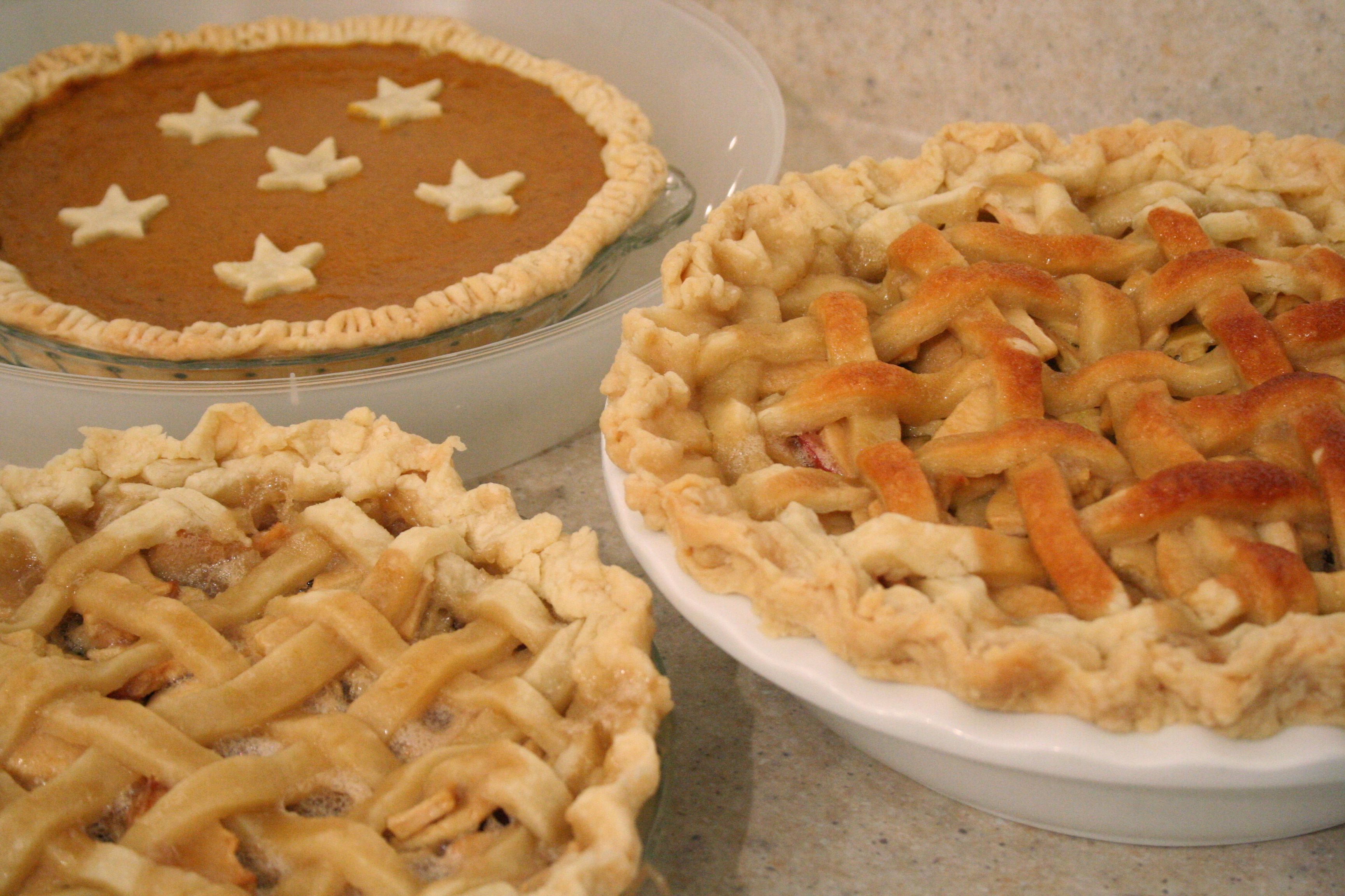 Thanksgiving Apple Pie  Thanksgiving PIES Apple & Pumpkin