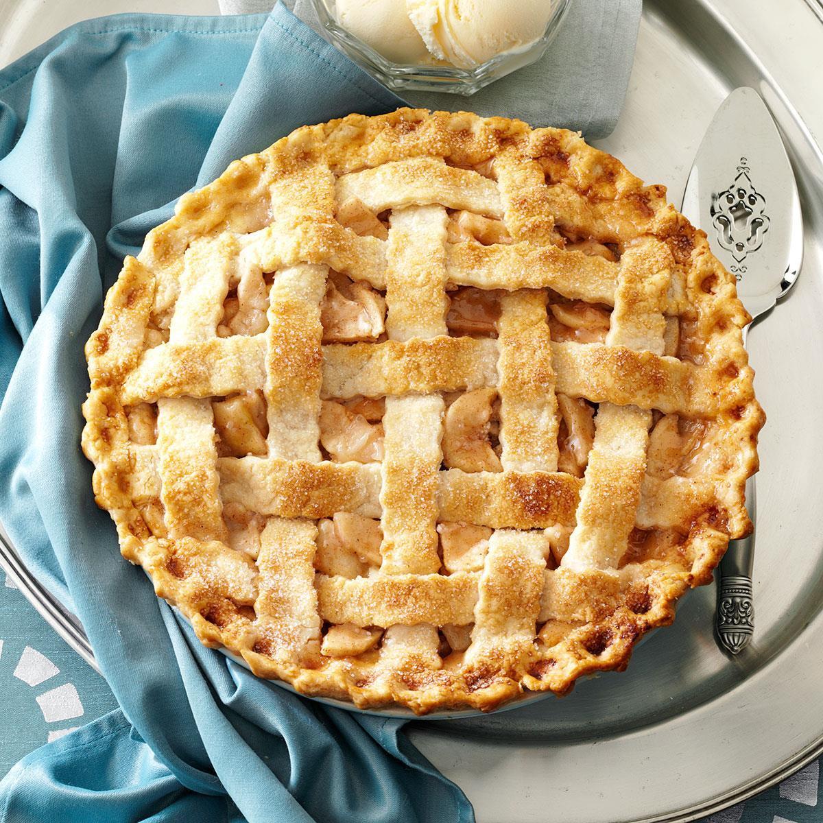 Thanksgiving Apple Pie Recipe  Lattice Topped Apple Pie Recipe