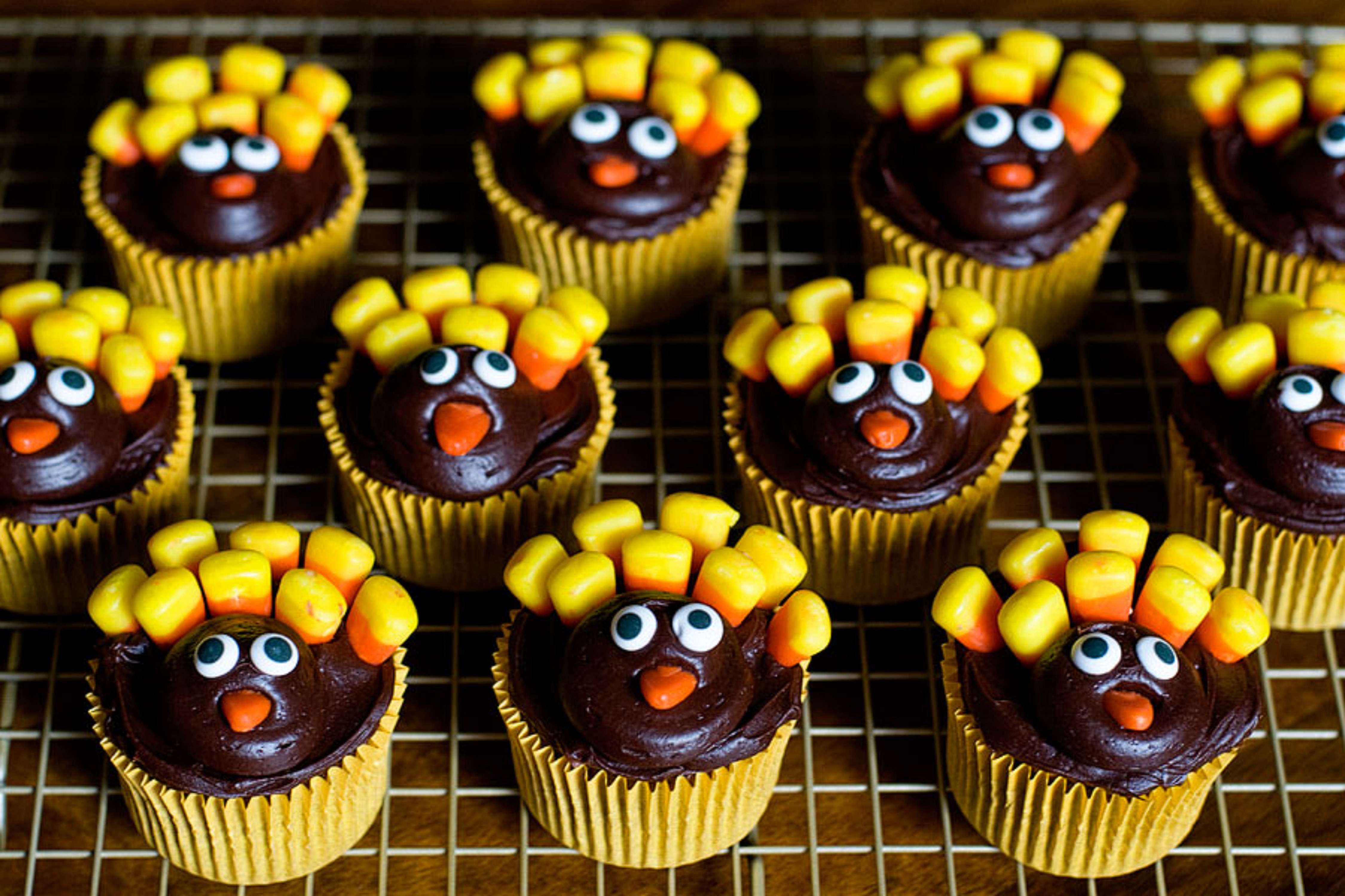 Thanksgiving Cupcakes Decorating Ideas  11 Awesome Cupcake Decorating Ideas