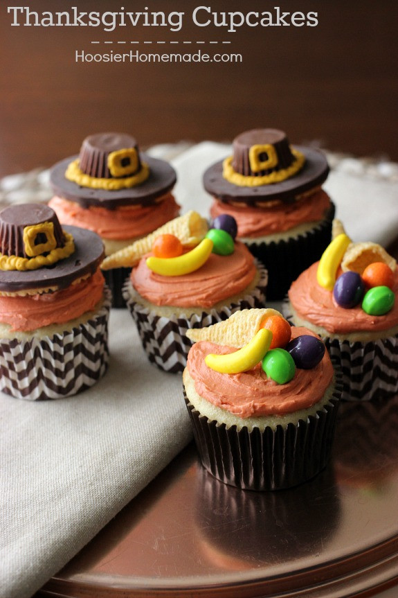 Thanksgiving Cupcakes Decorating Ideas  Thanksgiving Cupcakes Pilgrim Hats and Cornucopia