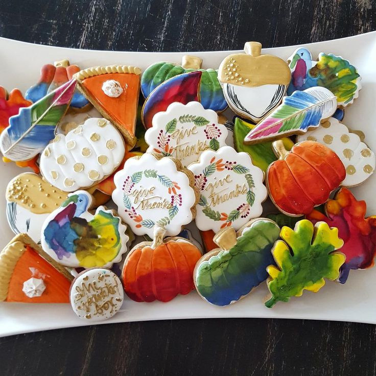 Thanksgiving Cut Out Cookies  599 best Fall Thanksgiving Cookies images on Pinterest