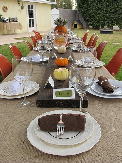 Thanksgiving Dinner Decorations  30 Outdoor Thanksgiving Dinner Décor Ideas DigsDigs