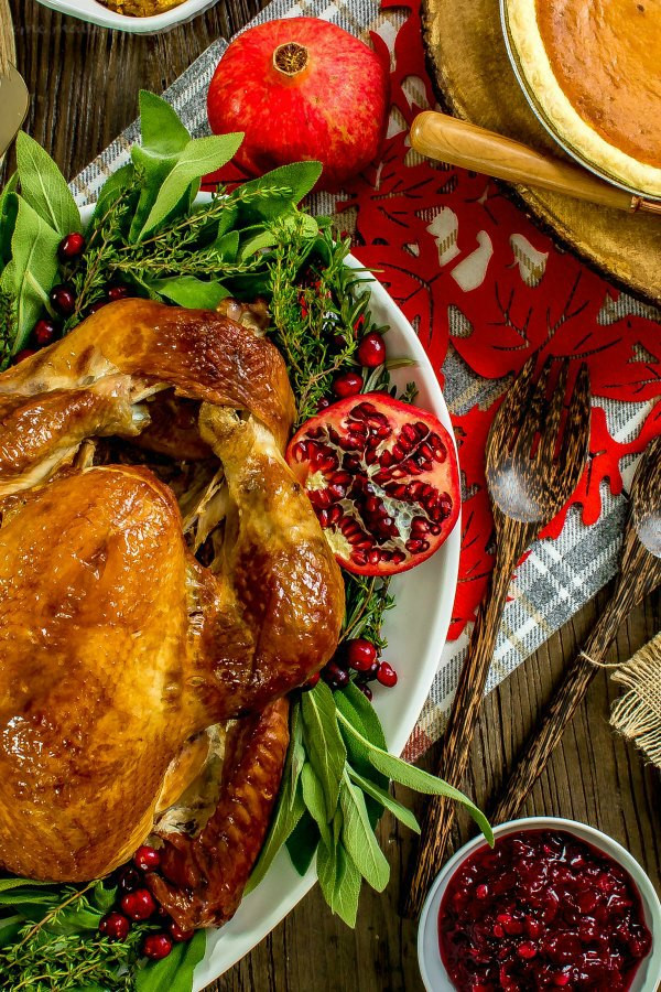 Thanksgiving Dinner Delivery  Simplify the Holidays with Traditional Thanksgiving Dinner