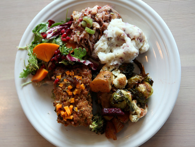 Thanksgiving Dinner Plate  Best Places For Take Out Thanksgiving Dinner In Los