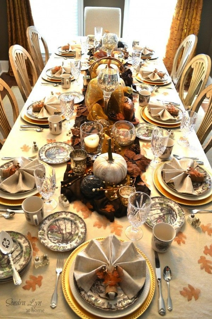 Thanksgiving Dinner Table Settings  20 Thanksgiving Dining Table Setting Ideas