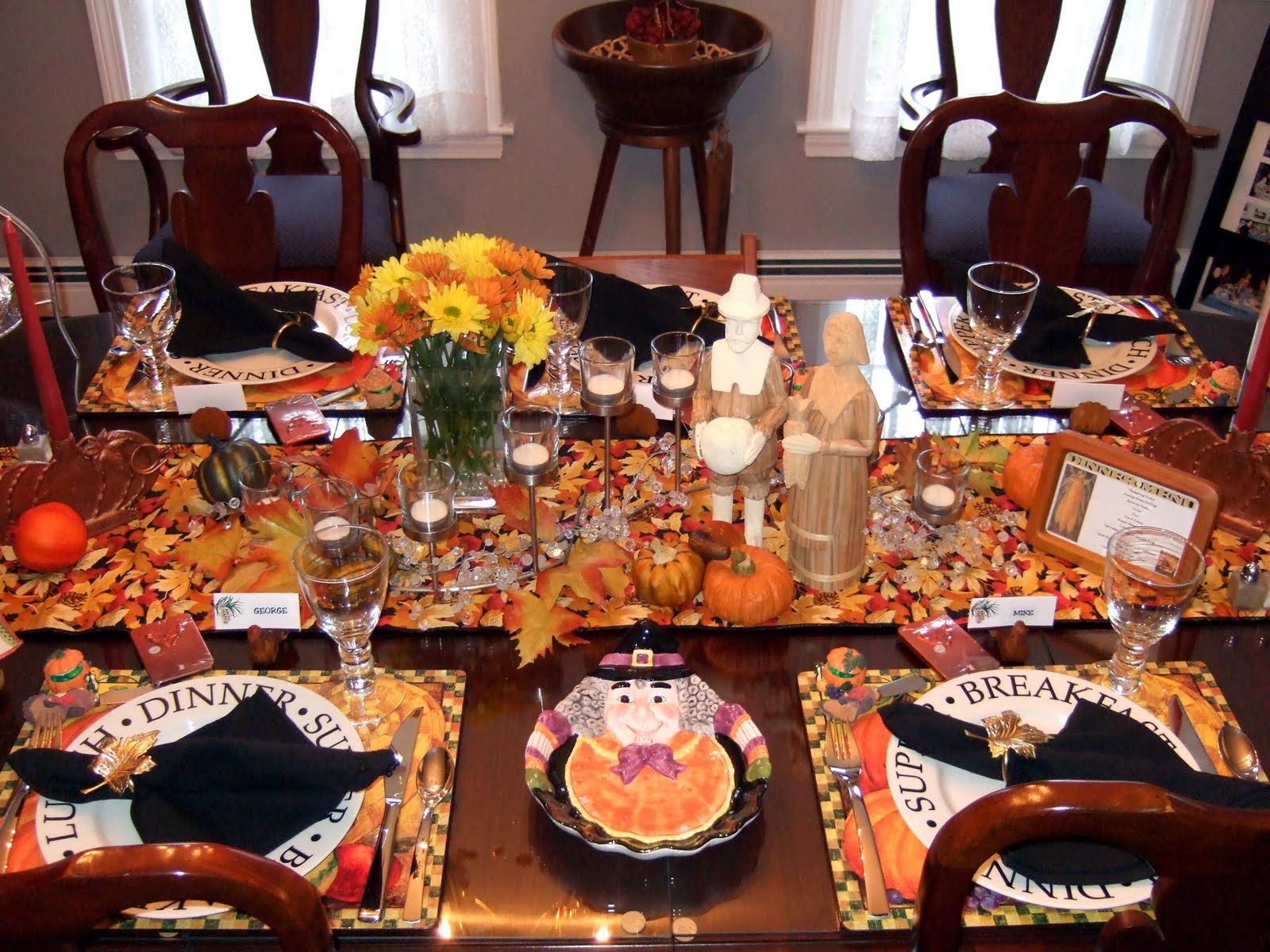 Thanksgiving Dinner Table Settings  a little bit of everything Table Setting Thanksgiving Tables