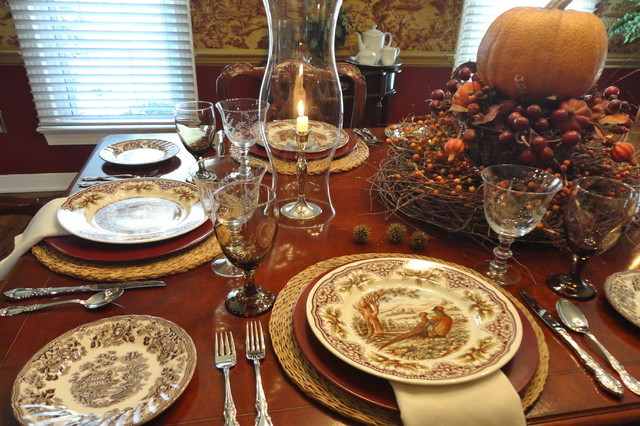 Thanksgiving Dinner Table Settings  Thanksgiving Table Setting Traditional Dining Room