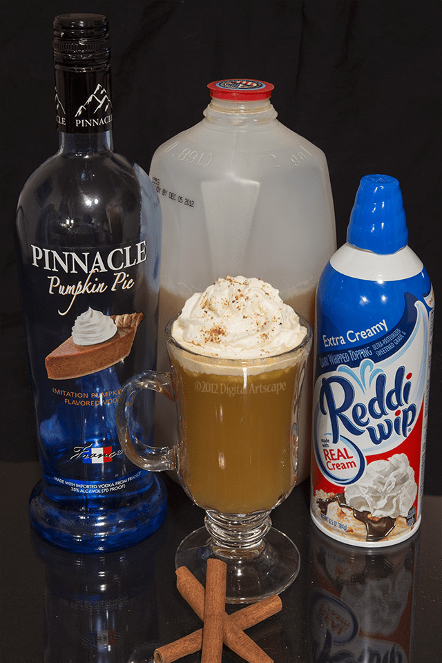 Thanksgiving Drinks Alcoholic  Holiday Mixed Drink Recipe Thanksgiving In A Glass DIY