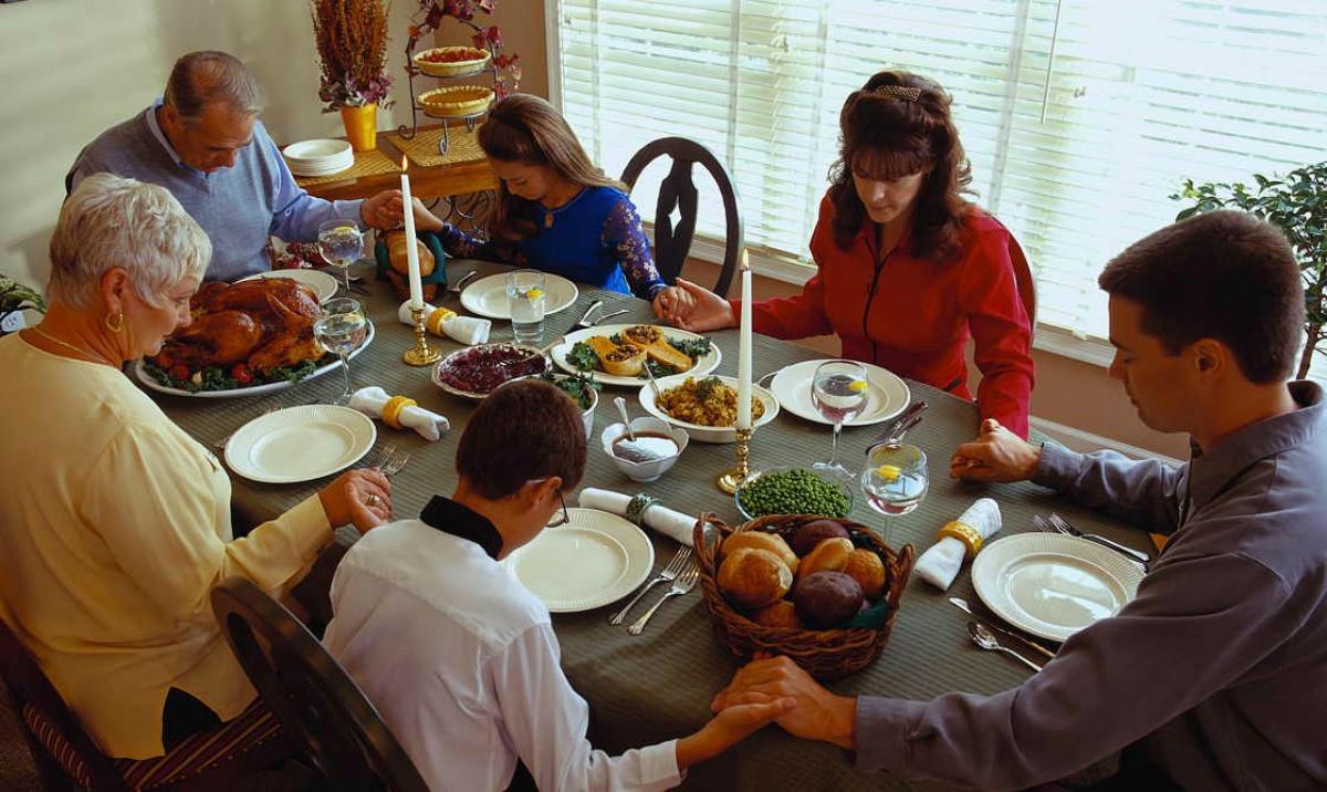Thanksgiving Family Dinner  Thankful for Family