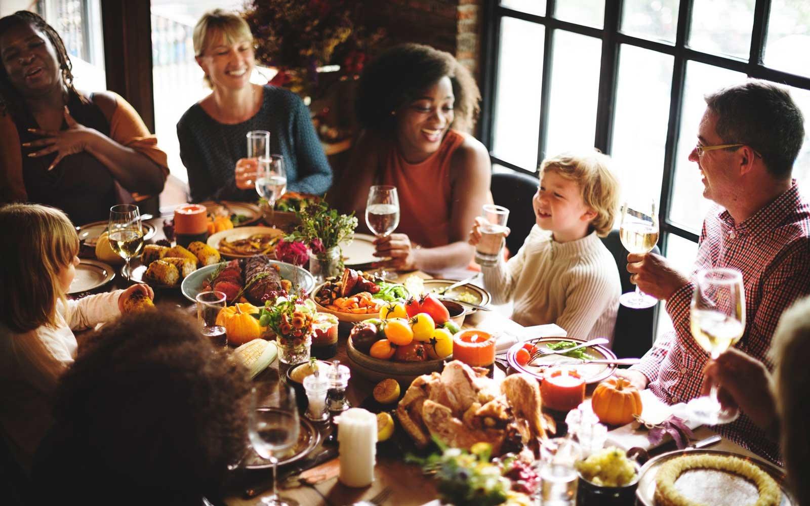 Thanksgiving Family Dinner  5 Pro Tips For Not Ruining Thanksgiving Dinner With