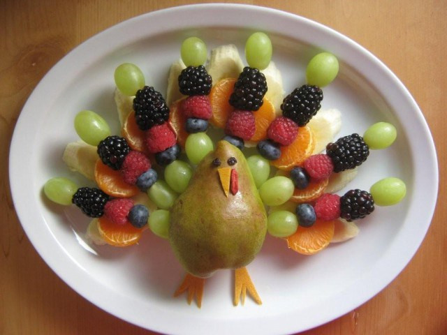 Thanksgiving Fruit Turkey  Gobble Up These Thanksgiving Treats