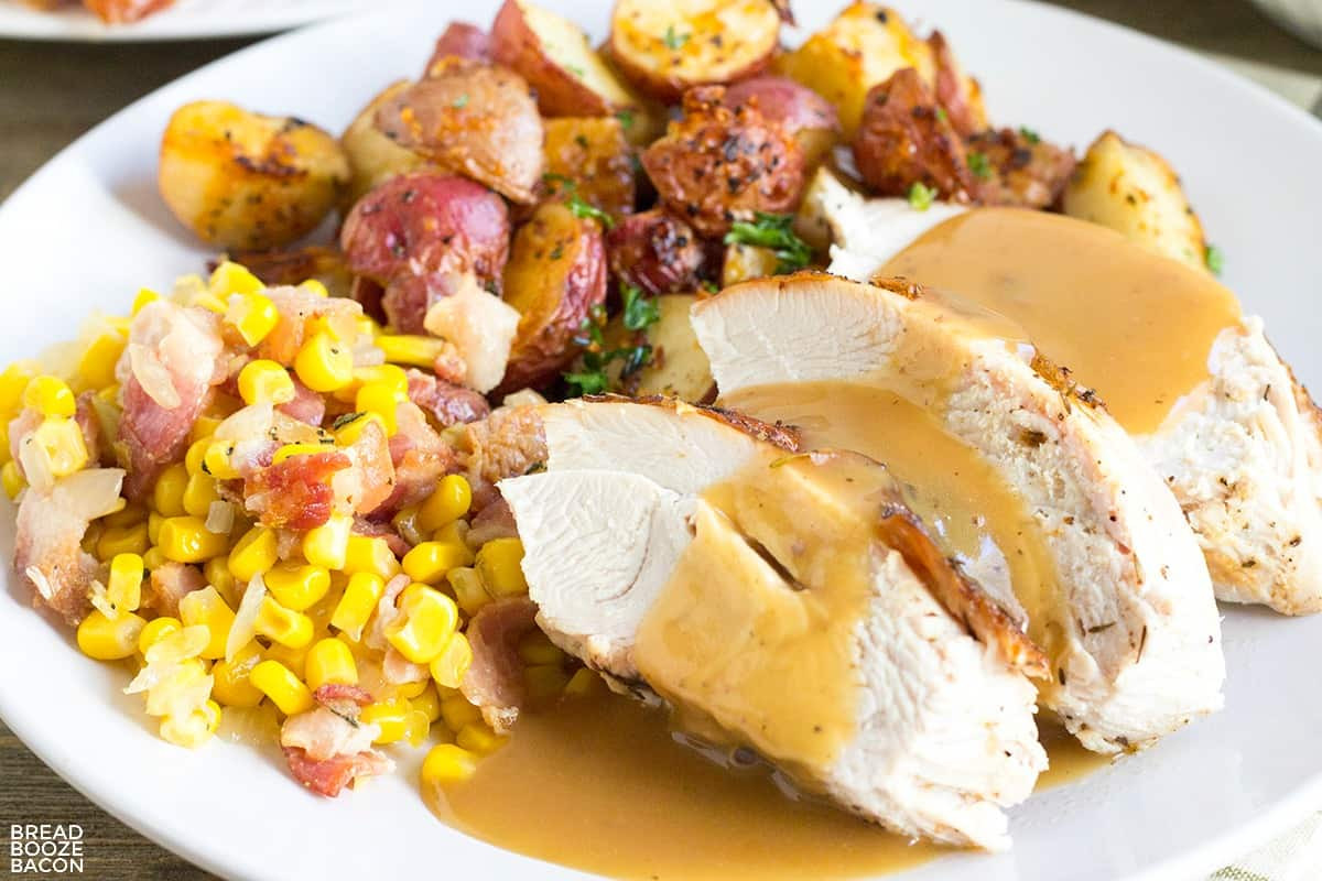 Thanksgiving Gravy Recipe  Easy Turkey Gravy Recipe • Bread Booze Bacon