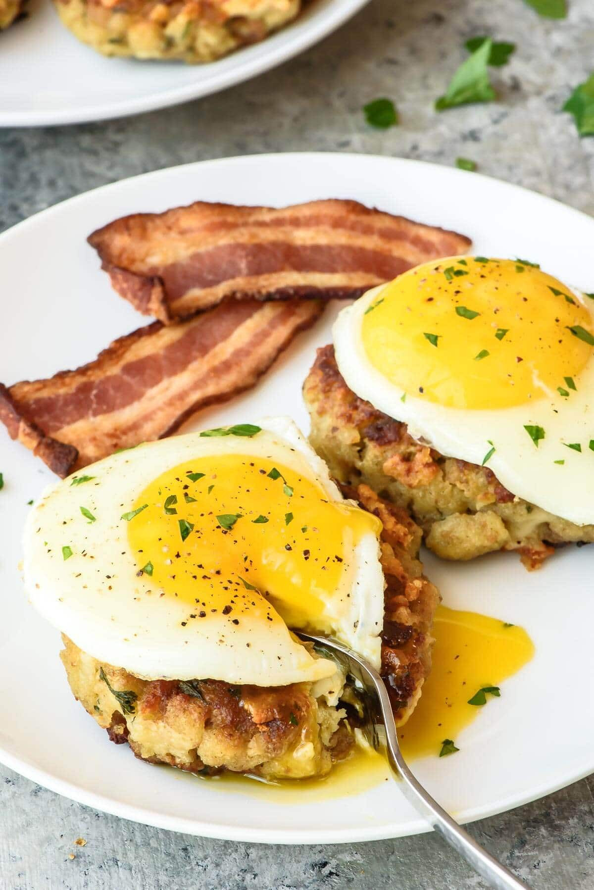 Thanksgiving Leftover Breakfast Recipes  Cheesy Breakfast Stuffing Cakes