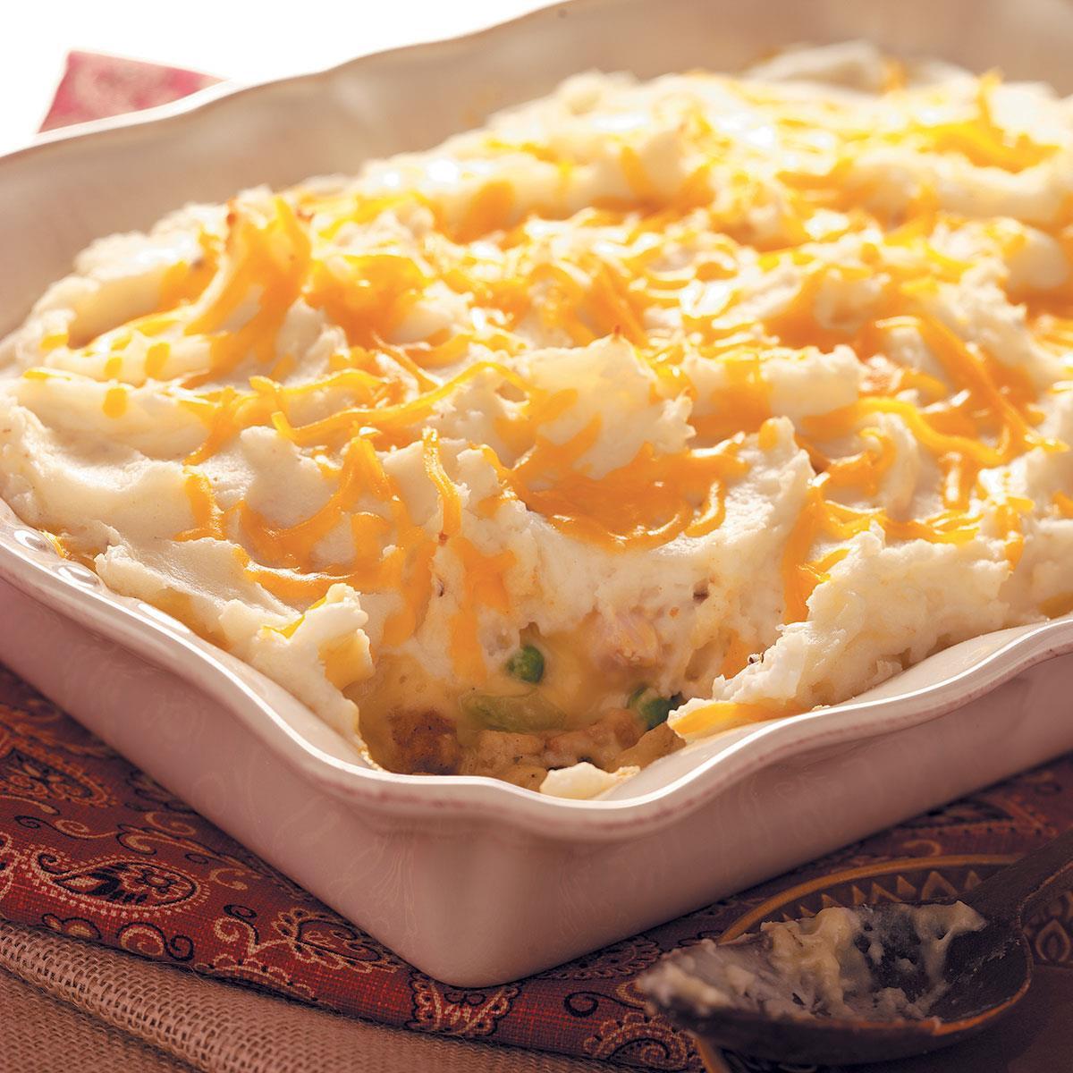 Thanksgiving Leftovers Casserole  Thanksgiving Leftovers Casserole Recipe