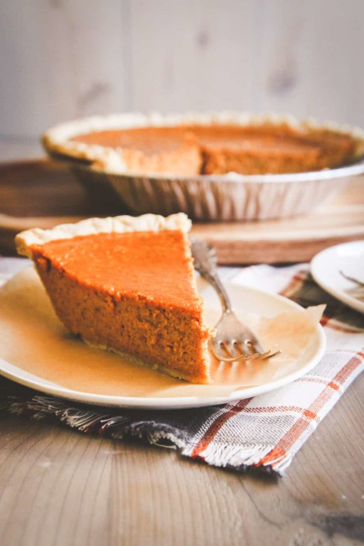 Thanksgiving Pumpkin Pie  Easy 5 Ingre nt Pumpkin Pie Recipe Sweetphi