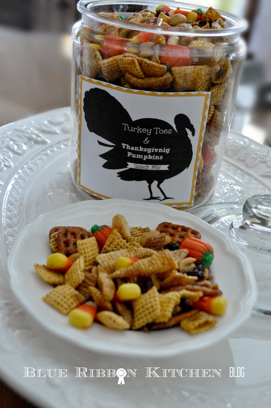 Thanksgiving Snacks Recipes  Blue Ribbon Kitchen Thanksgiving Snack Mix Turkey Toes