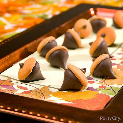 Thanksgiving Themed Desserts  Chocolate Cookie Acorns How To Thanksgiving Appetizer