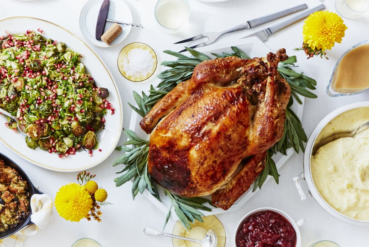 Thanksgiving Turkey Dinner  How to Easily Cook Thanksgiving Dinner With Martha