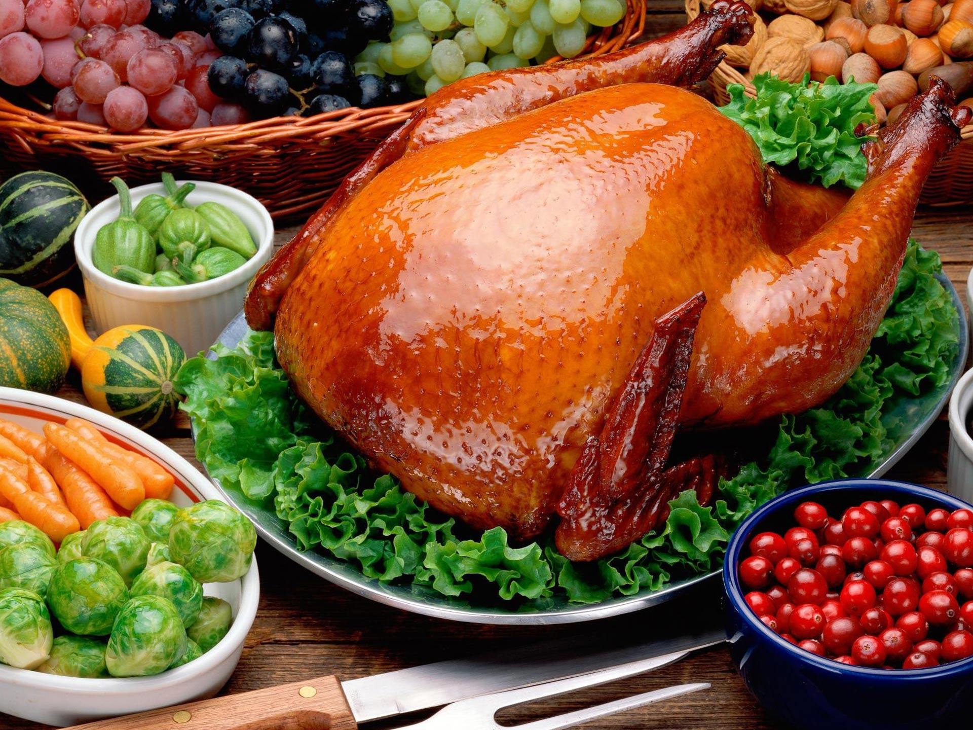 Thanksgiving Turkey Dinner  MEAL paragraphs