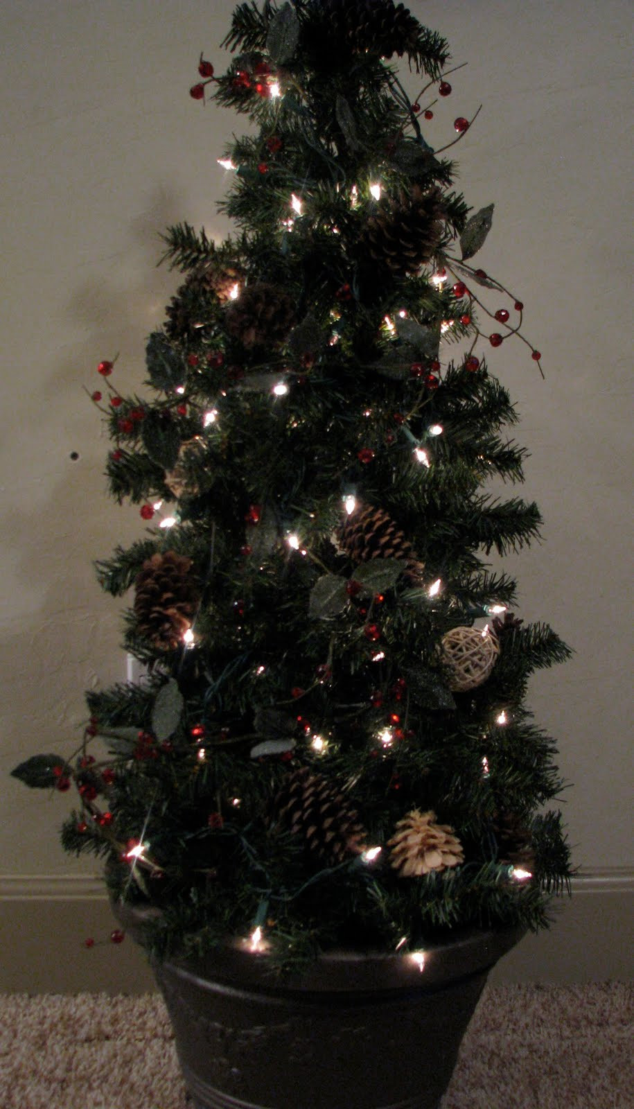 Tomato Cage Christmas Tree  The Gathering Place Design TGPD s Version of the Tomato