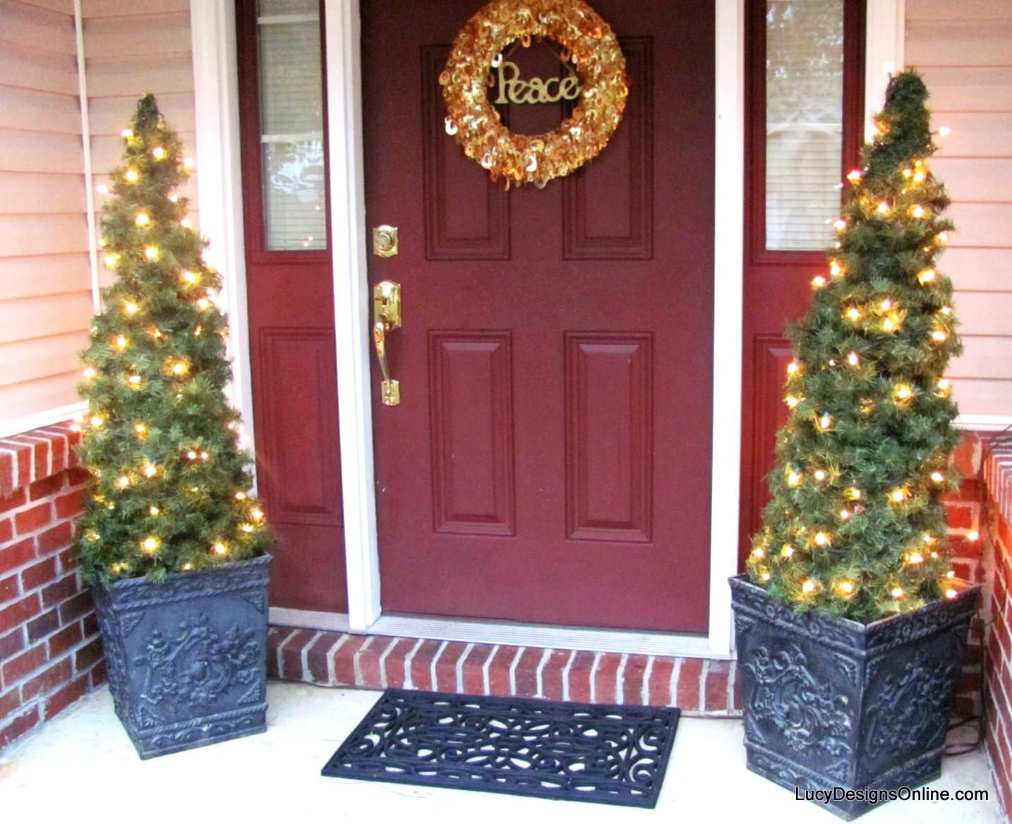 Tomato Cage Christmas Tree  DIY Tomato Cage and Garland Topiary Christmas Trees