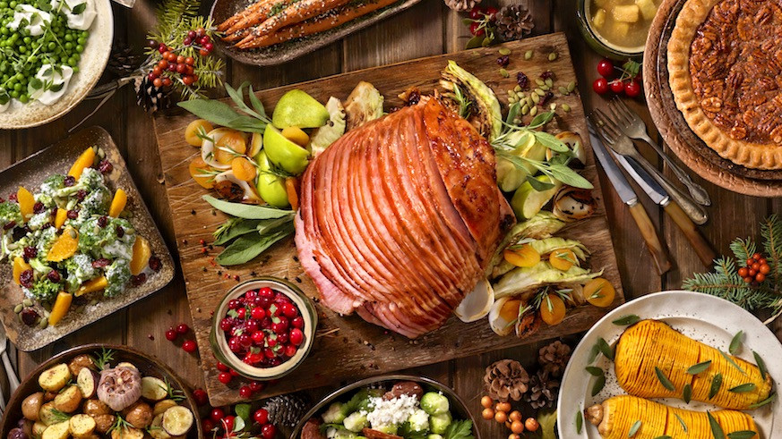 Traditional American Christmas Dinner  Food and Drinks