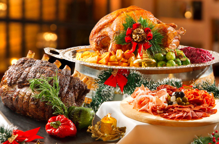 """Traditional American Christmas Dinner  """"Give Love Christmas"""" Culinary Temptations at Regal"""