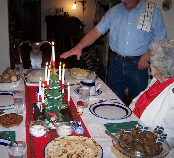 Traditional American Christmas Dinner  Pin by Bertha Phillips on Christmas Traditions Around The