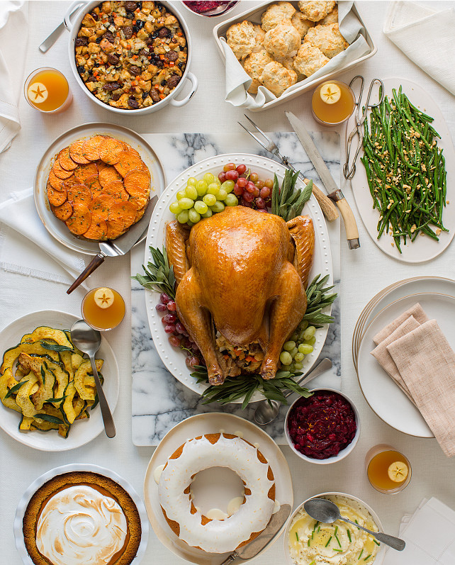 Traditional American Thanksgiving Dinner  50 Thanksgiving Decorating Ideas Home Bunch Interior