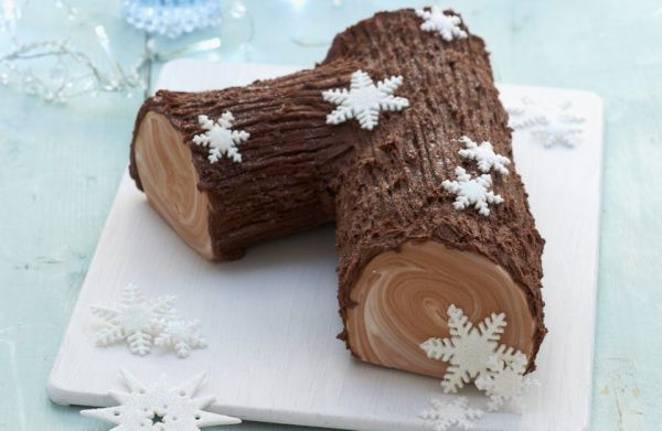 Traditional French Christmas Desserts  17 holiday desserts that are totally Instagram worthy