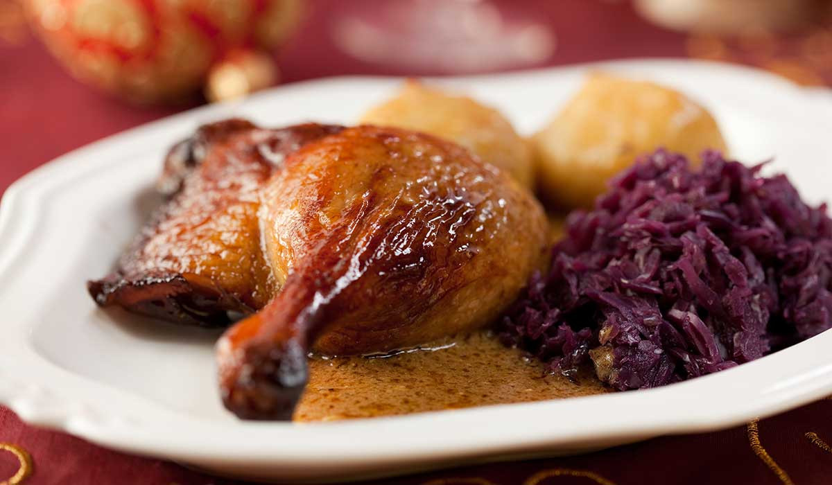 Traditional German Christmas Dinner  What s Christmas Dinner Plates Around The World