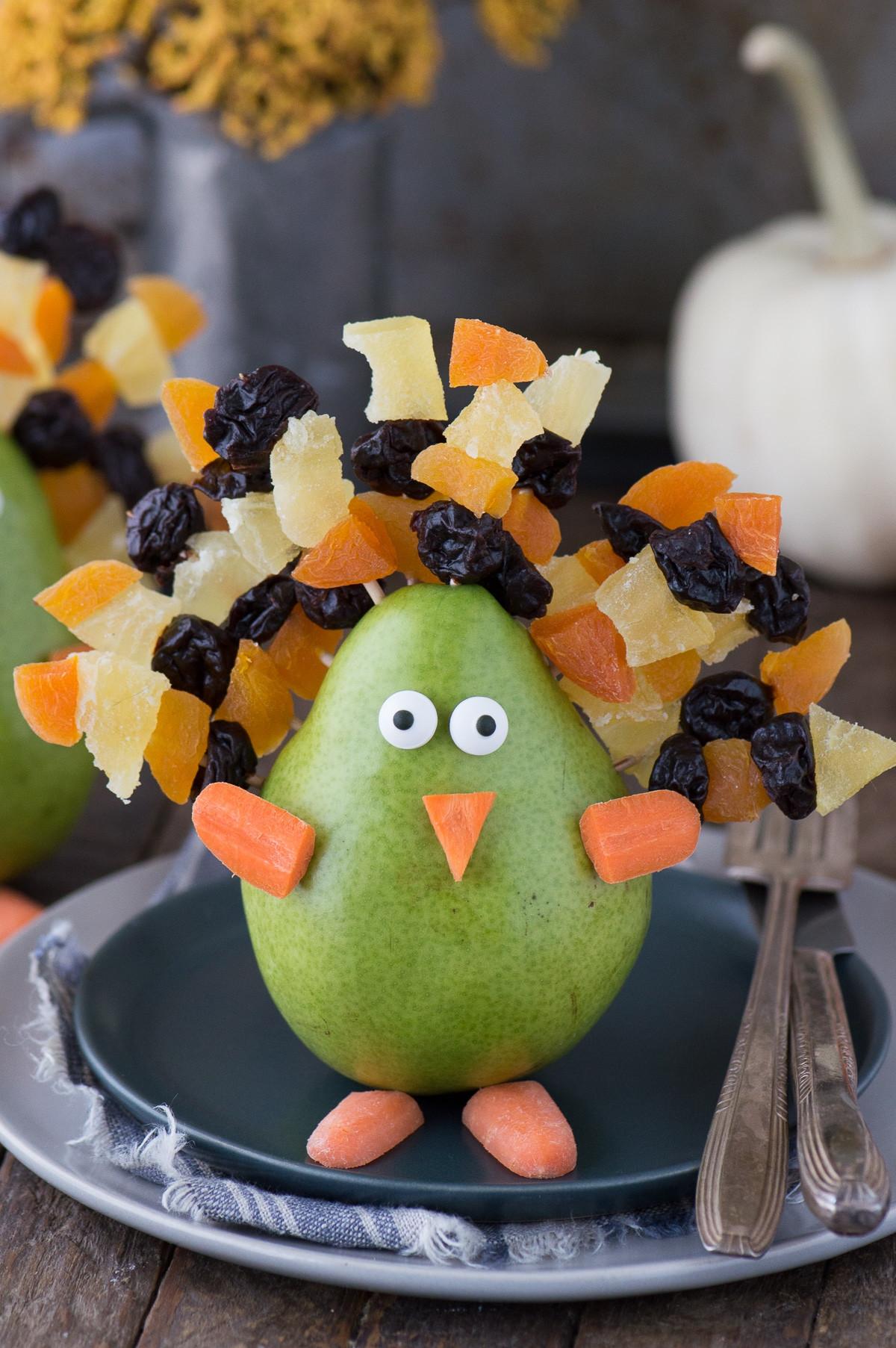 Turkey Centerpieces Thanksgiving  Edible Thanksgiving Turkey Place Card or Centerpiece