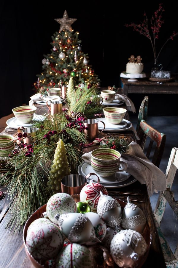 Unique Christmas Dinners Ideas  25 unique Christmas dinner tables ideas on Pinterest