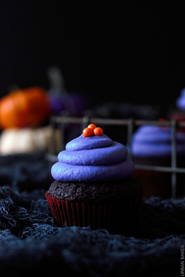 Vegan Halloween Cupcakes  86 best images about Vegan Halloween on Pinterest