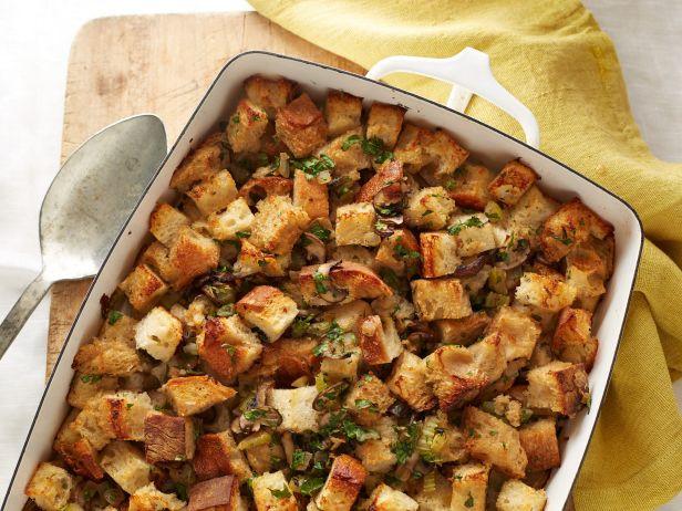 Vegan Thanksgiving Dishes  Thanksgiving Dinner Recipes for Vegans and Ve arians