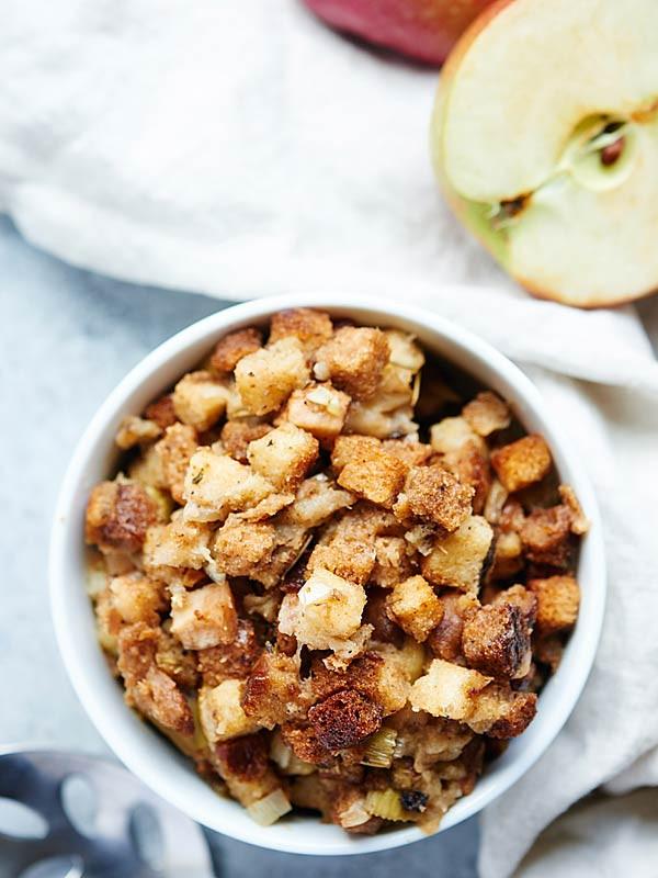 Vegetarian Stuffing Recipes Thanksgiving  Living TRUE – Model Blog Ve arian & Vegan Thanksgiving