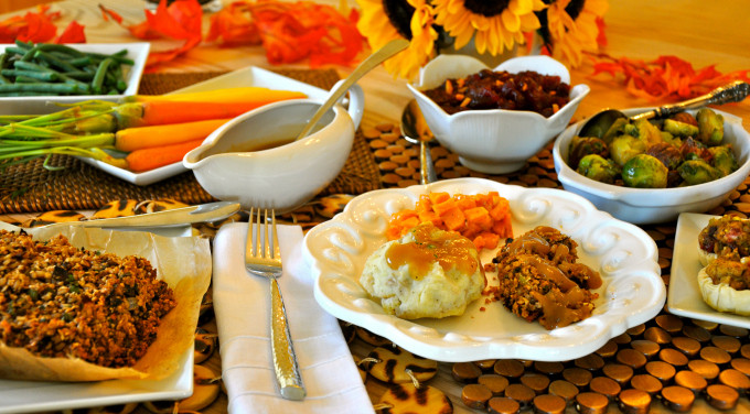 Vegetarian Thanksgiving Food  Vegan Thanksgiving Recipes For A plete Holiday Dinner