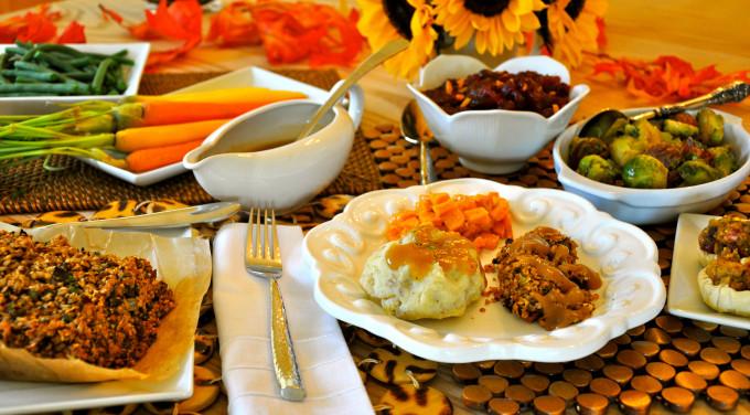 Vegetarian Thanksgiving Meal  Vegan Thanksgiving Recipes For A plete Holiday Dinner